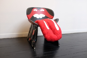 Rolling Stones Chair | Specialty Retail Architecture